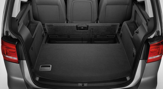 2018 Volkswagen Touran trunk