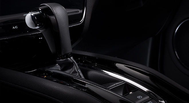2019 Honda HR-V gear shifter