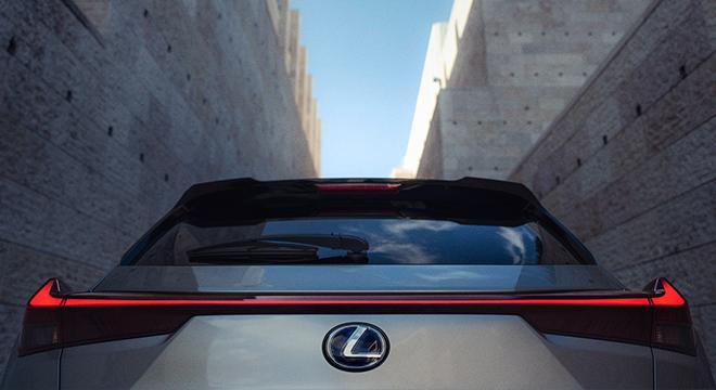 2019 Lexus UX Aero Stabilizing Blade Lights