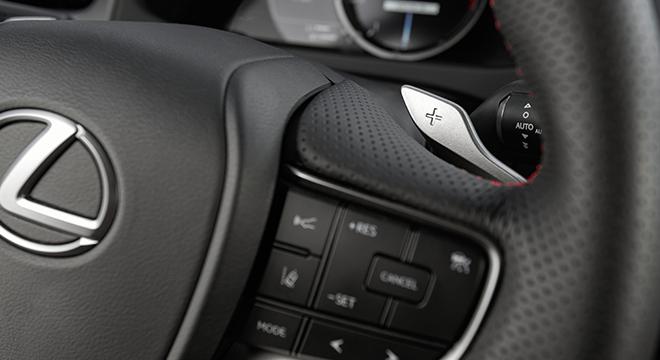 2019 Lexus UX steering controls