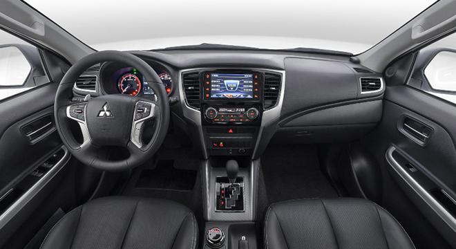 2019 Mitsubishi Strada Philippines interior