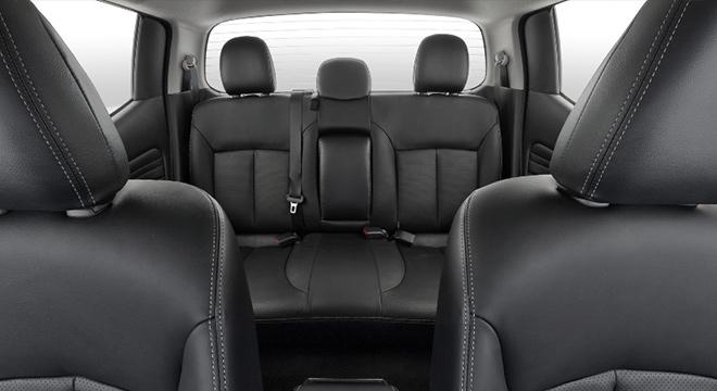 2019 Mitsubishi Strada Philippines rear seats