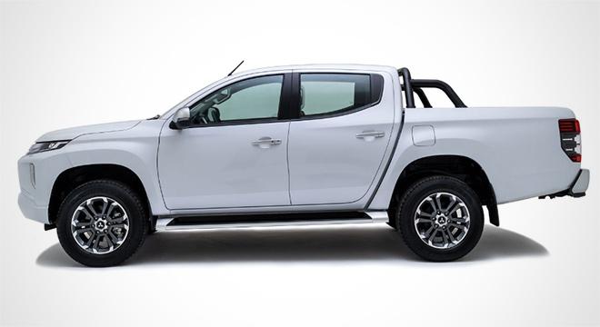 2019 Mitsubishi Strada Philippines side