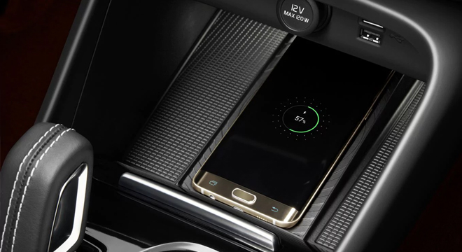 2019 Volvo XC40 wireless charger