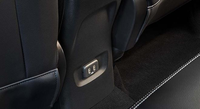 2021 Chevrolet Tracker interior charging port Philippines
