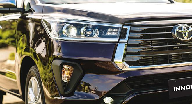 2021 Toyota Innova exterior headlights Philippines