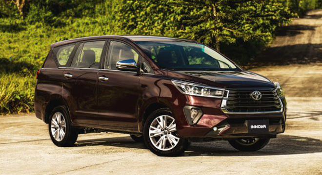 2021 Toyota Innova exterior quarter front Philippines