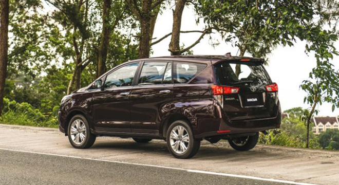 2021 Toyota Innova exterior quarter rear Philippines