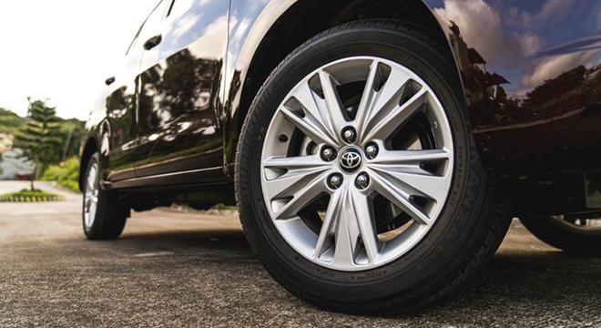 2021 Toyota Innova exterior wheels Philippines