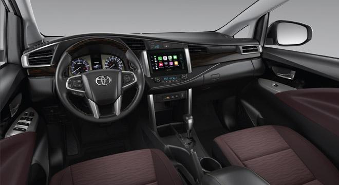 2021 Toyota Innova interior dashboard Philippines
