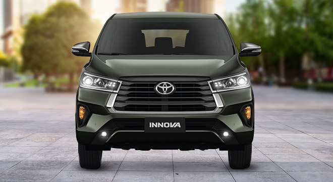2021 Toyota Innova interior front Philippines