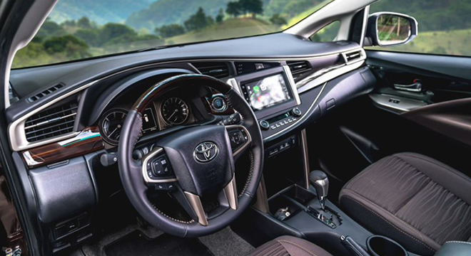 2021 Toyota Innova interior front seat Philippines