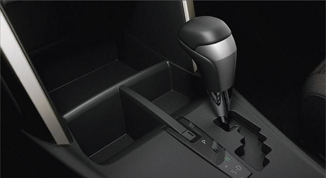 2021 Toyota Innova interior gear shifter Philippines