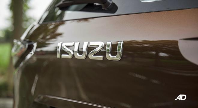 2022 Isuzu mu-X exterior Isuzu logo Philippines