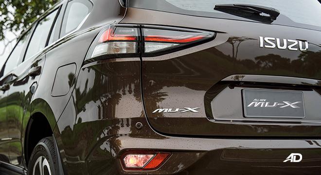 2022 Isuzu mu-X exterior taillights Philippines