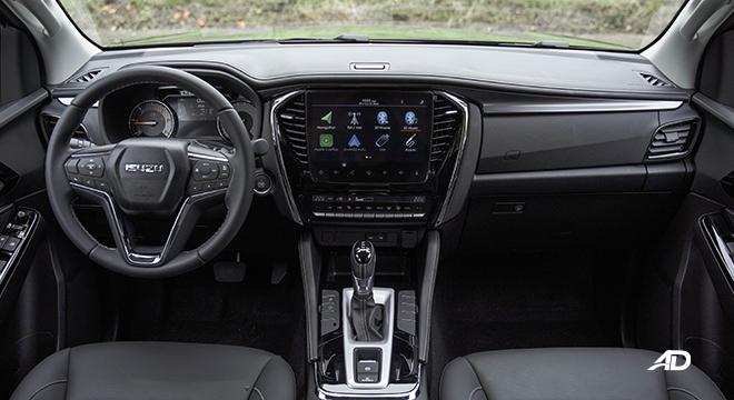 2022 Isuzu mu-X interior dashboard Philippines