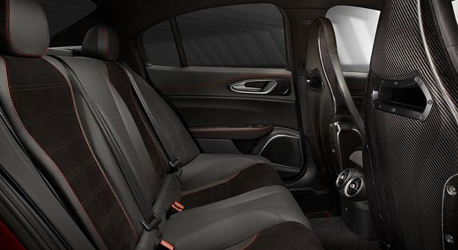 Alfa Romeo Giulia 2018 rear seats
