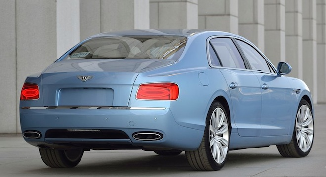 Bentley Flying Spur 2018 rear