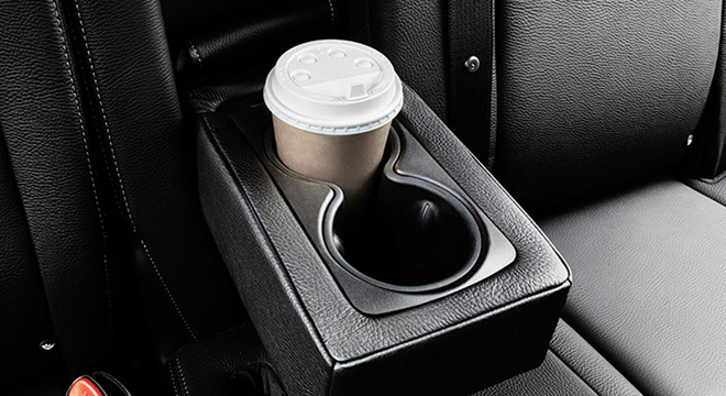 Chevrolet Captiva 2018 cup holder
