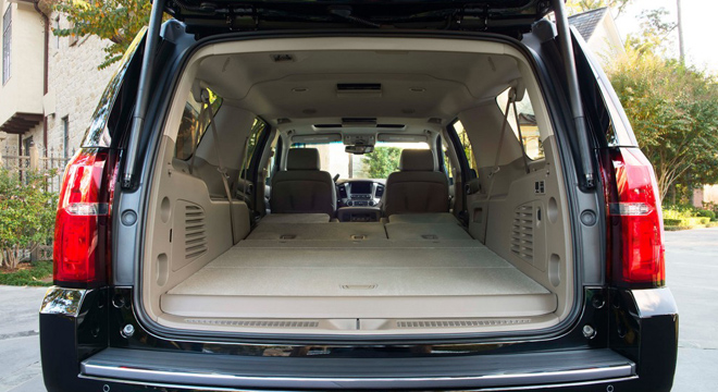 Chevrolet Suburban 2018 trunk