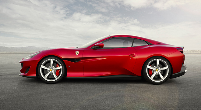 Ferrari Portofino 2019 side with roof