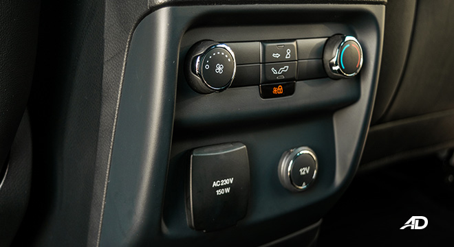 ford everest review road test rear aircon controls interior philippines