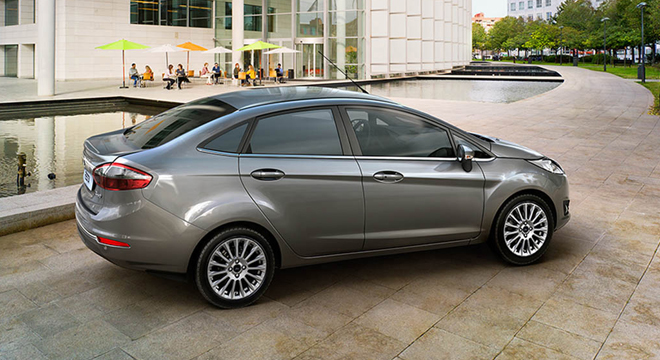 Ford Fiesta Sedan 2018 side