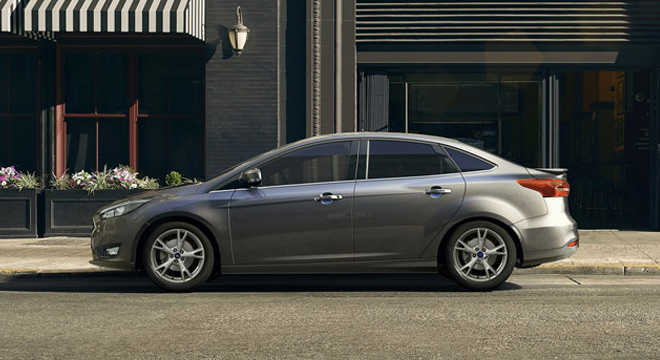 Ford Focus Sedan 2018 side