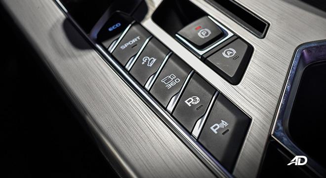 Geely Coolray interior G-Pilot