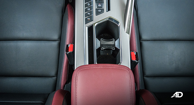 geely coolray road test review cupholders interior