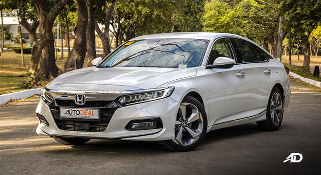 honda accord review road test front quarter beauty shot exterior