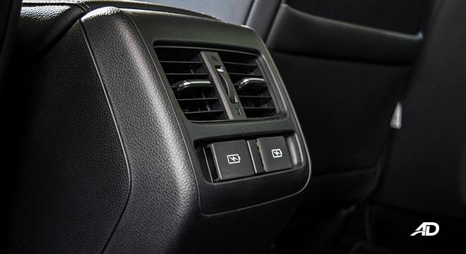 honda accord review road test rear aircon vents interior