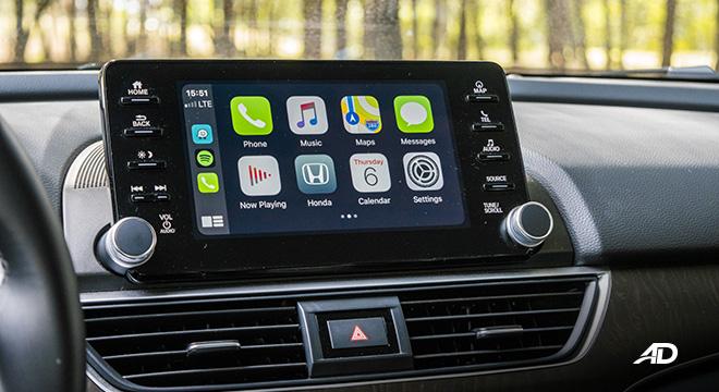 honda accord review road test touchscreen infotainment interior apple carplay
