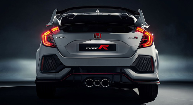 Honda Civic Type R 2018 exhaust pipes