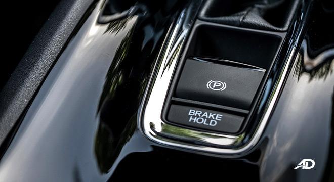 honda hr-v review road test brake hold interior