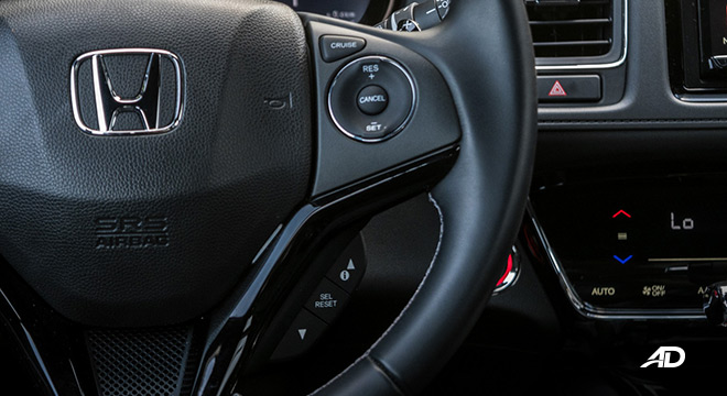 honda hr-v review road test cruise control interior