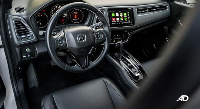 honda hr-v review road test front cabin interior