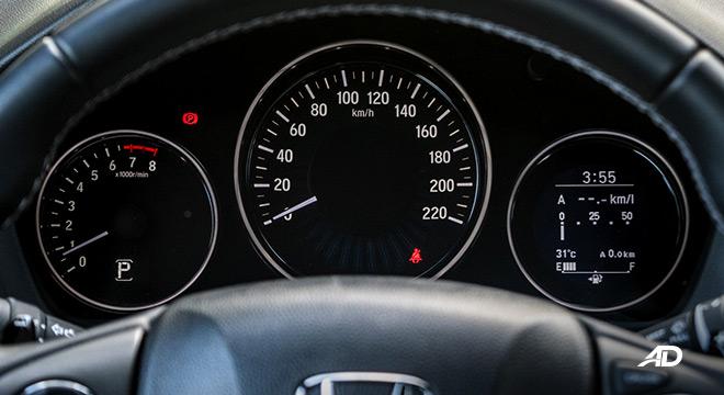honda hr-v review road test instrument cluster interior