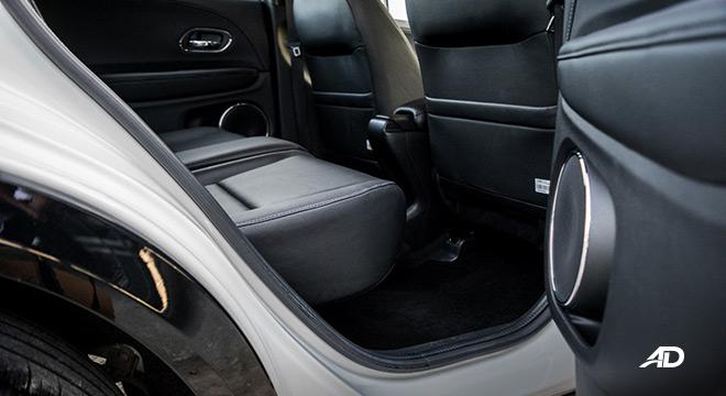 honda hr-v review road test rear legroom interior