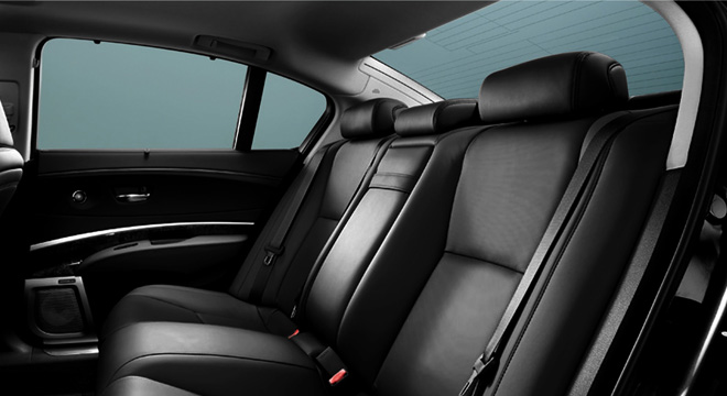 Honda Legend 2018 rear seats