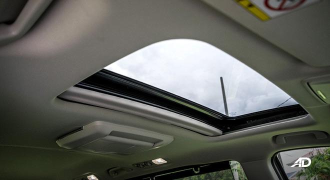 honda odyssey review road test sunroof interior