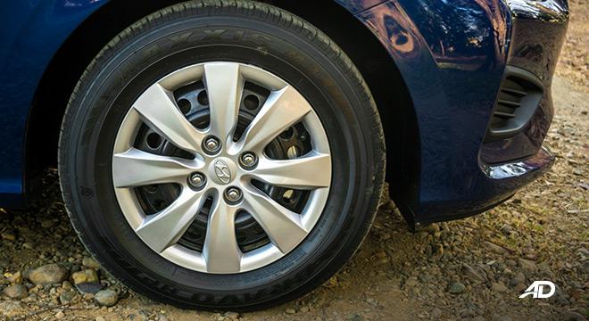 hyundai reina road test exterior wheels