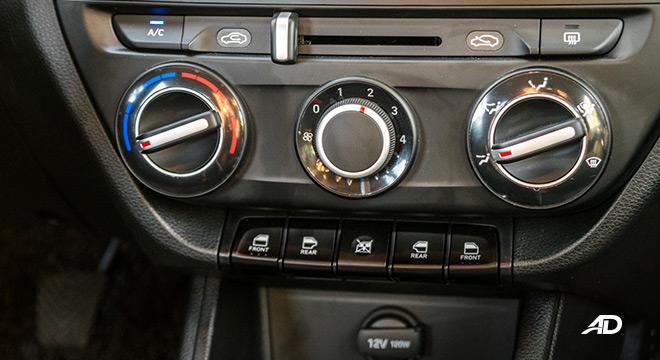 hyundai reina road test interior air conditioning