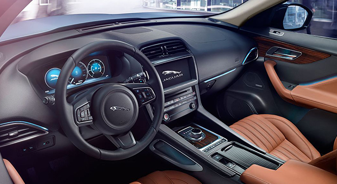 Jaguar F-Pace 2018 interior