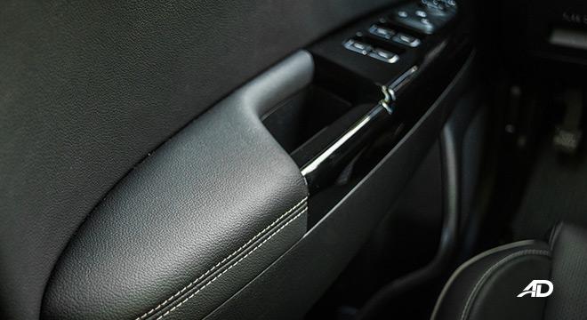 kia sportage review road test door cards interior