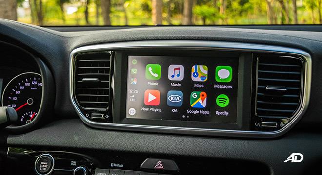 kia sportage review road test touchscreen infotainment interior