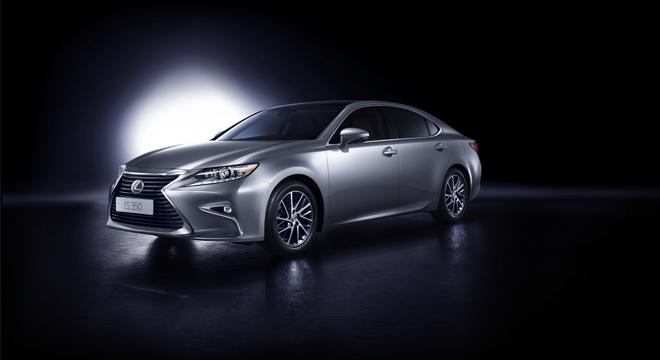 Lexus ES 2018 front