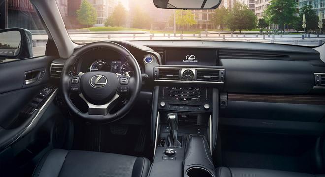 Lexus IS 2018 interior