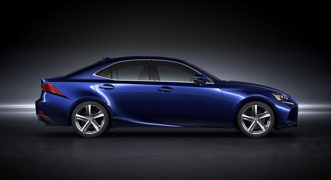 Lexus IS 2018 side