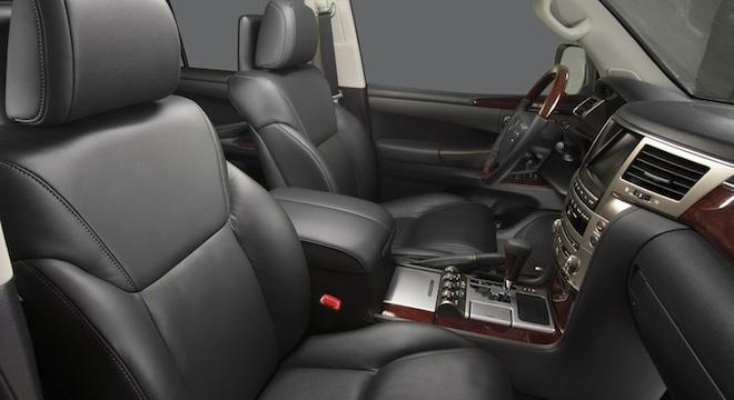 Lexus LX 2018 interior